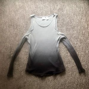 Buckle ombré cold shoulder top!